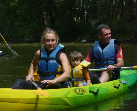 canoe en famille sur l-ariege (2)